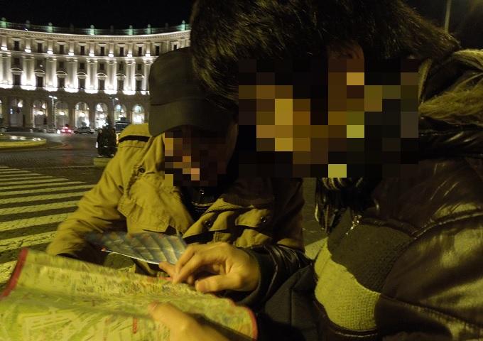 yuローマ2日目夜共和国広場1