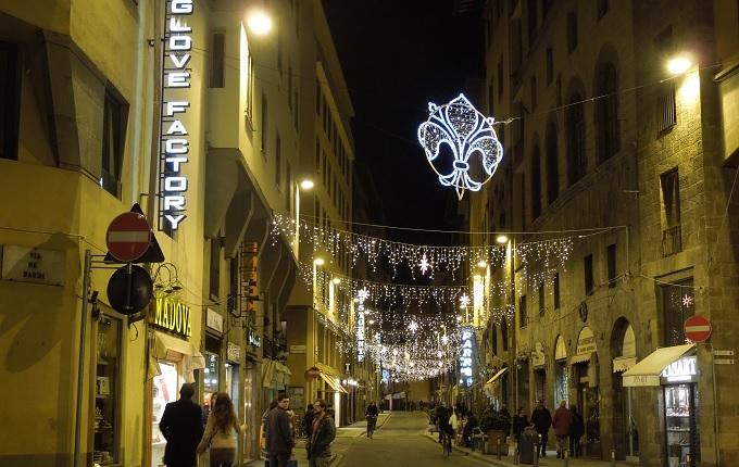 yuフィレンツェの街のイルミネーション