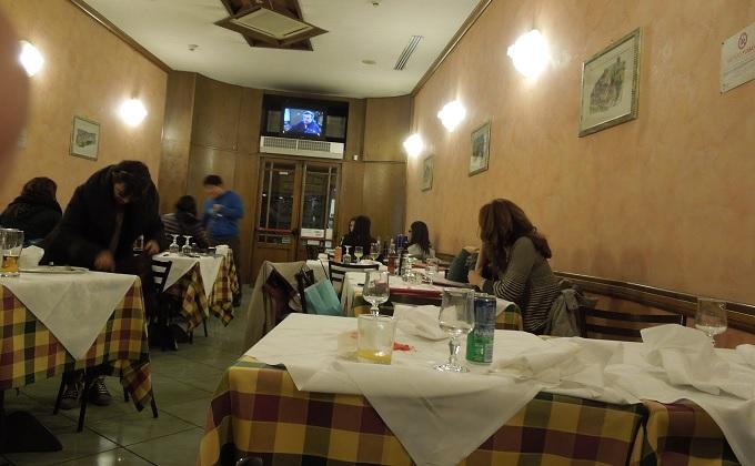 yuフィレンツェ夕食の店内の様子