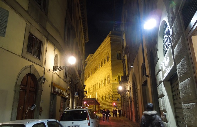 yuフィレンツェ夜の街の様子