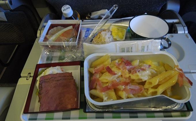 yuイタリア行き機内食