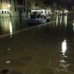 """【イタリアPart1:ベネチア到着編】冬で雨季のベネチアは""""水の都""""というより""""ビチャビチャな都""""だった。"""