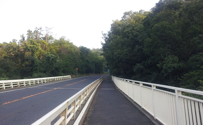yu砂丘までの坂道