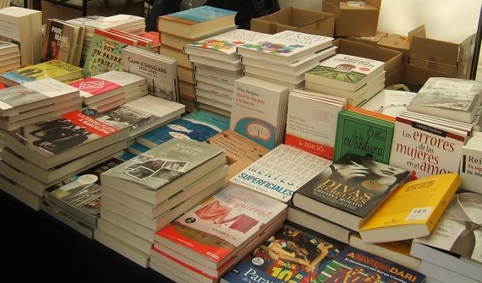 本屋のアルバイトを受ける時の志望動機は何にする?履歴書や面接ではこうした。