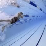 【アルバイト】プールの監視員。楽か大変か、室内・屋外体験記。
