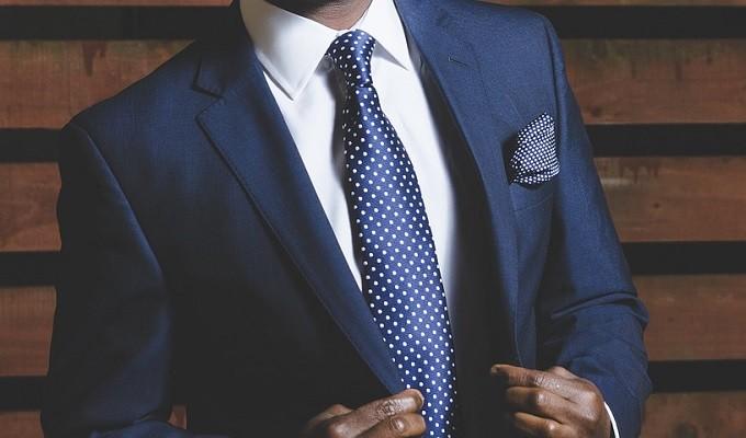 髪型・スーツ・面接の受け答えも、就活はみんな同じで気持ち悪いか