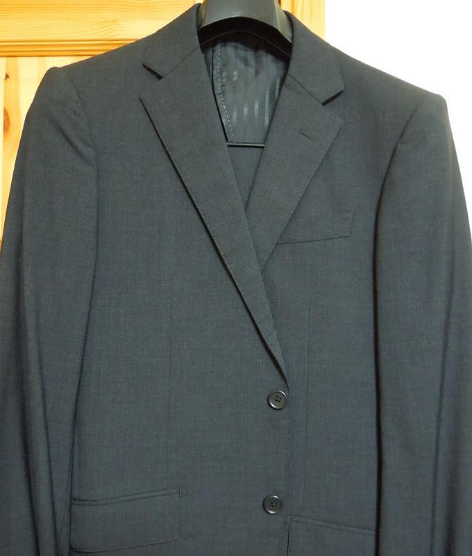 入学式用のスーツ