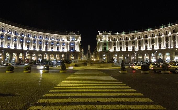 yuローマ2日目夜共和国広場