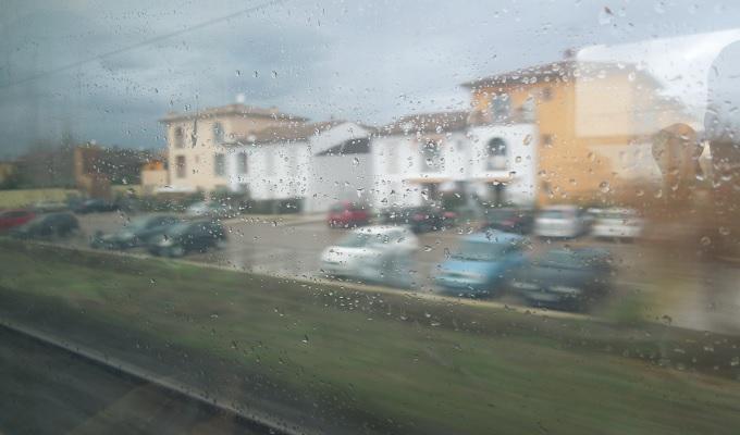 yuフィレンツェピサ行き列車の眺め1