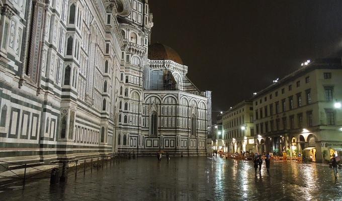 yuフィレンツェ夜の街