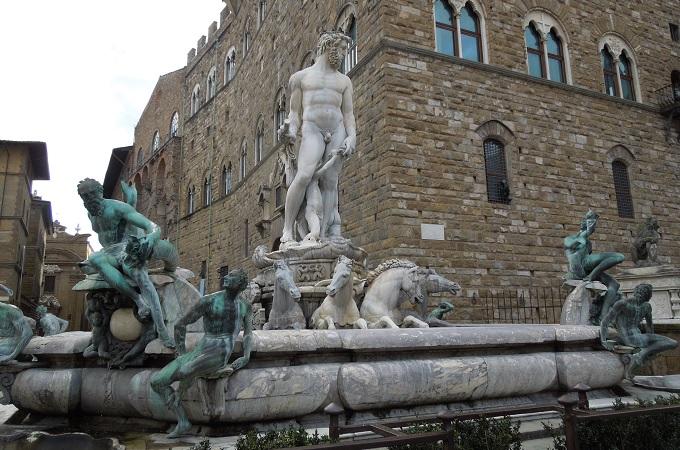 yuフィレンツェ銅像1