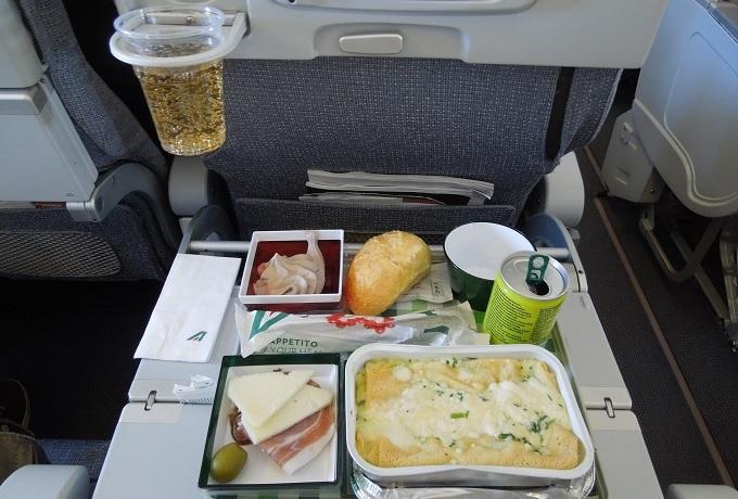 yuローマ帰国機内食