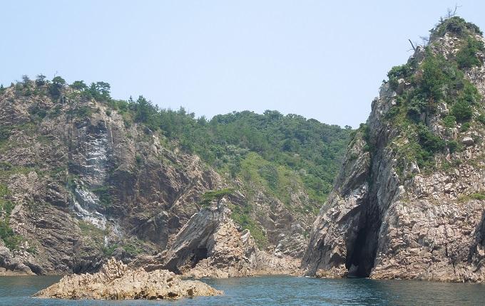 yu遊覧船浦富海岸の様子